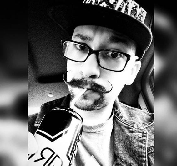 Handlebar Mustache with Goatee Style
