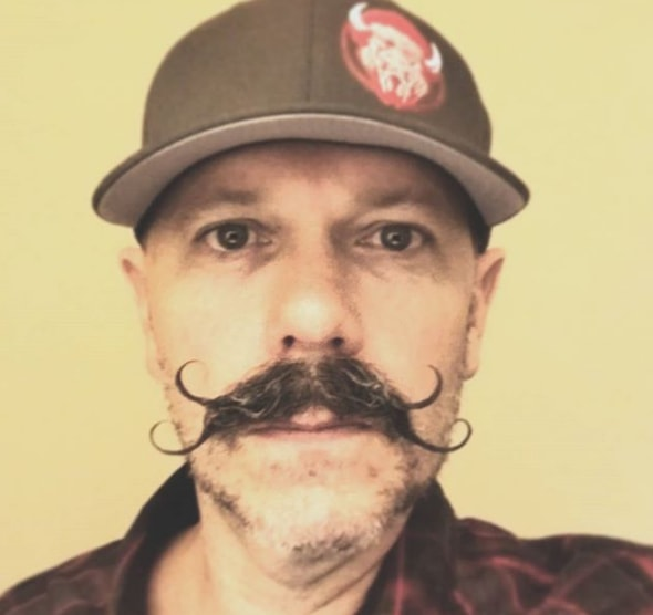 handlebar mustache with double round ends