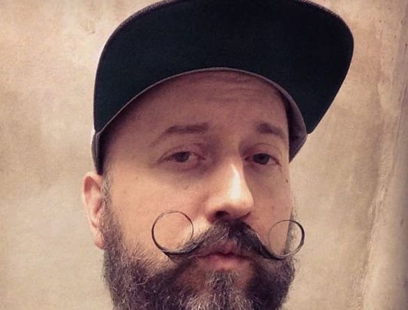 O Curved Handlebar Mustache Style