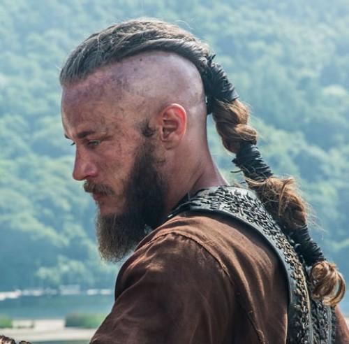 Signature Ponytail Ragnar Lothbrok Hairstyle
