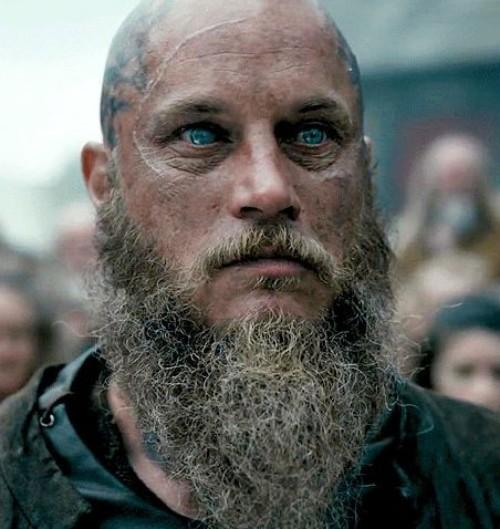 [Aventura]: Os Escolhidos - Página 28 Ragnar-Lothbrok-Hairstyle-18