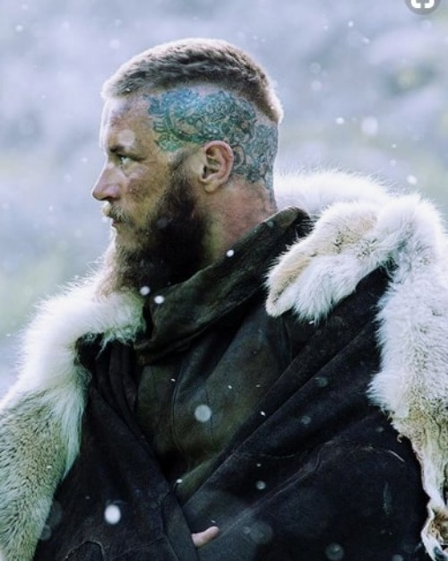 Undercut With Short Hair On Top Ragnar Lothbrok Hairstyle