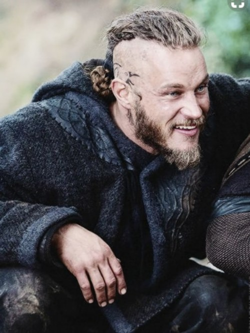 Short Beard With Combed Back Hair On Top Ragnar Lothbrok Hairstyle