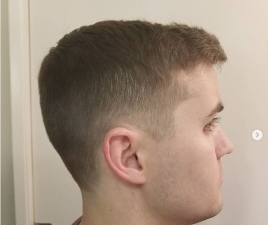 Short Side Swept Hairstyle With Fade